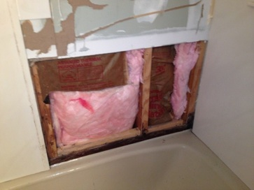 rotted-bathroom-4